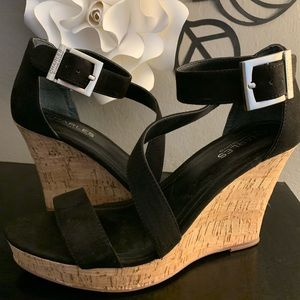 💫strapping summer wedges💫